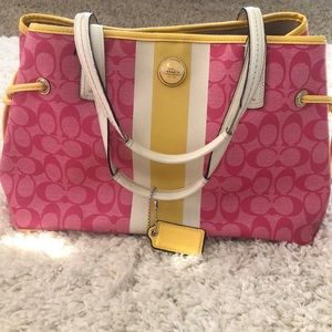 Bright cute Coach shoulder bag!